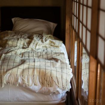 800年も前からポルトガルで作り続けられているエコラのブランケット。羊毛をそのまま使ったワイルドな一品。でも温かさは本物!一生もののブランケットです。