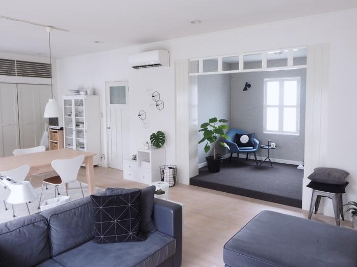最近の住宅で多く取り入れられているのが、「オープンな間取り」。特にLDKを見通し良く繋げて、開放感を出すスタイルが注目されています。家具のレイアウトによって、さまざまな使い方ができるフレキシブルさも人気の秘密です。