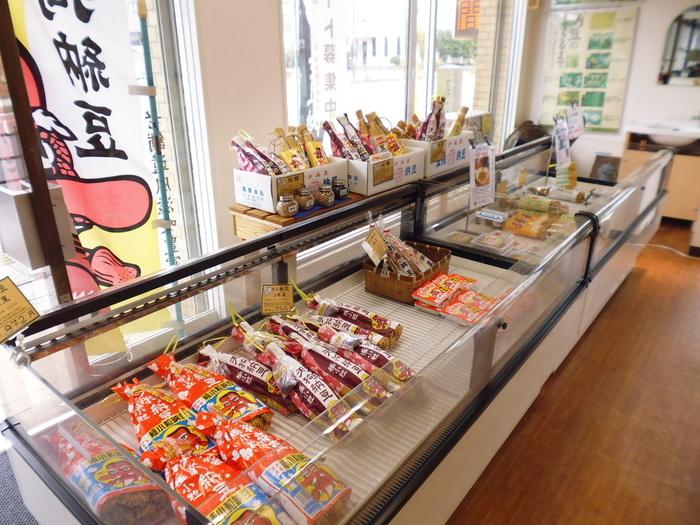 さつまいもと並んで茨城の名産といえば、納豆。水戸市にある老舗「天狗納豆」は、種類が豊富で大人気。ご自宅用にもご近所へのおすそ分けにも良さそうですね。