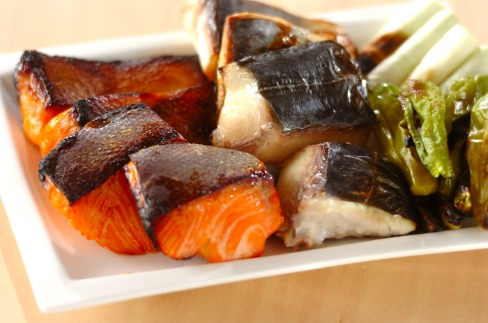 お好みの切り身魚でアレンジできる味噌漬けのレシピです。数種類を組み合わせるのも良いでしょう。味噌に漬ける時間が長いほど、しっとり仕上がるのだそう♪