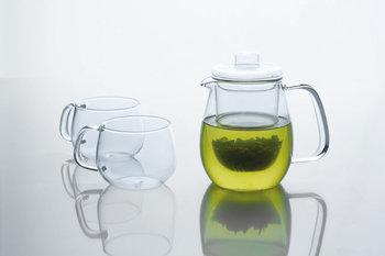 値段がお手頃ですし、何より見た目がとってもおしゃれなガラス製の急須。透明なので、お茶の色味が分かるのがメリットです。中には、ポットのまま電子レンジにかけられる便利なものも。