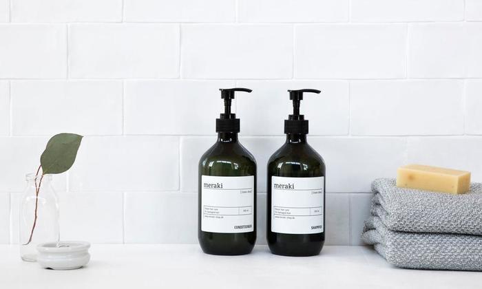 可能な限り、高品質の素材や成分を使用し、思いやりある製品を開発し続けているデンマーク生まれの「meraki ( メラキ) 」。こちらのボディソープも、ローズマリー葉エキスなど肌にやさしい成分が使用されているので、洗う際、余分な皮脂や汚れはしっかり落としながら、肌に潤いを与えてくれます。