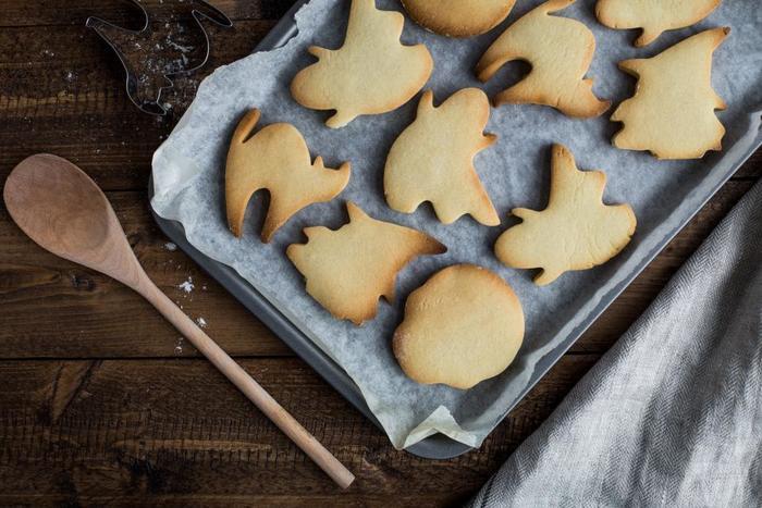 可愛い形やサクッとした食感が楽しく、親しみ深いクッキー。休日のおやつとして作ったり、お裾分けしたり。作ることであなたも周りも幸せになれる素敵なお菓子です。ぜひレシピを参考にして、いろいろなクッキー作りにチャレンジしてみましょう!