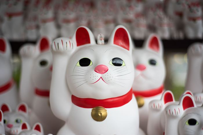 金沢には、伝統を生かした工芸品が、今に合うスタイルにリデザインされ、かわいい雑貨として販売されています。センスのあるかわいいおみやげは、自分用にもご友人へのおみやげにもぴったりです。