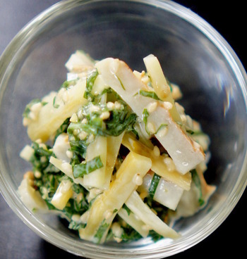 大葉とちくわとたくあんをマヨネーズで和えた簡単レシピ。たくあんってマヨネーズとの相性も抜群なんですよ。あと一品欲しい時に助かる万能レシピです。