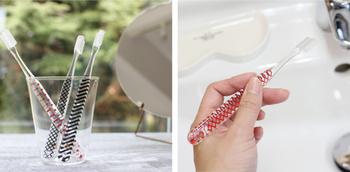 歯ブラシも忘れがちなアイテムの一つ。置きっぱなし用や持ち歩き用に、自分のスタイルに合ったお気に入りの歯ブラシを用意しておきましょう。
