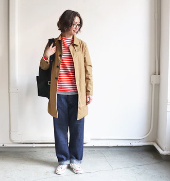 「EEL(イール)」の、定番サクラコート。なぜ「サクラ」かと言うと、日本の文化である「お花見」の時に着てもらいたいという想いからだそうです。