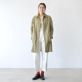 フランス発のワークウェアブランド「DANTON(ダントン)」のステンカラーコートです。少し肌寒いときにさらりと羽織れる気軽さが魅力。