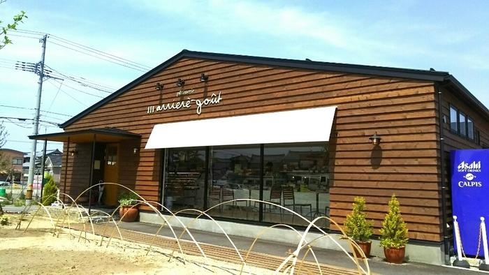 2016年に長潟に移転オープンした「アリエール グー 長潟店」は、イートインもできるおしゃれなケーキショップ。リーズナブルで美味しいケーキが食べられると評判です。