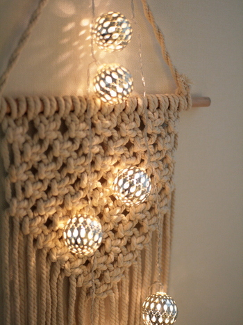 キャンプやお部屋のインテリアに【ガーランドライト】の飾り方・作り方