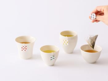 """金沢のおみやげとして人気の高い「丸八製茶場」の""""加賀いろはテトラシリーズ""""。良質な原料を使った本物のお茶を手軽に味わえるティーバッグです。"""