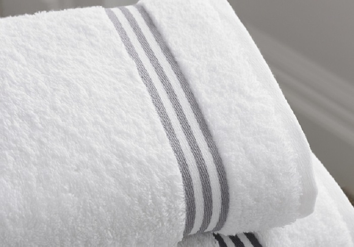 ふかふかなタオルを使用することもお風呂時間が楽しみに思えることの一つ。肌ざわりが悪くなった、洗いざらしのタオルだとどこか気分も下がり気味に。思い切って気持ちのいいふかふかなタオルに新調してみませんか?まるで高級ホテルのようなタオルに身を包めばそれだけで笑顔になれるのではないでしょうか。