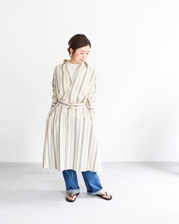 Tシャツの上に羽織りとしても使えるタイプのワンピースは、春→夏まで使えます。素材などにこだわって選ぶと使い勝手がさらによくなりそう。