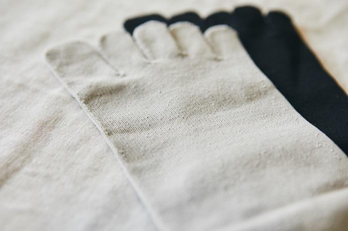 「URANUS」の5本指靴下は、靴下やタイツのインナーとしても使用できます