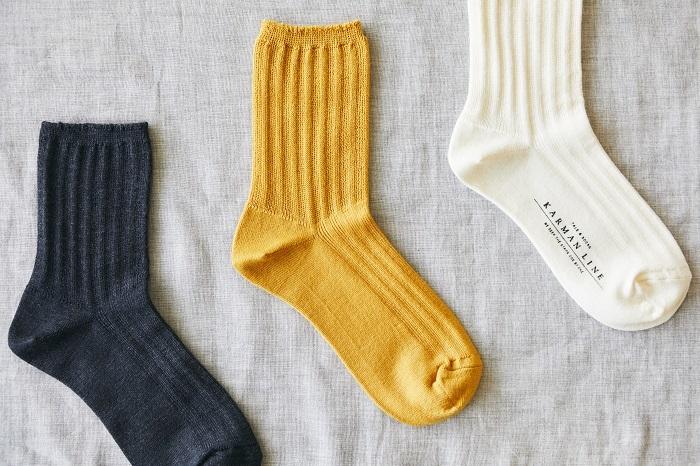 冷えとり靴下の4足目を、1足でも履きたいという声から生まれた「PLUTO」。足首から上の部分を、冷えとり靴下と同様の編み方にすることで、ゆったりとやさしい履き心地