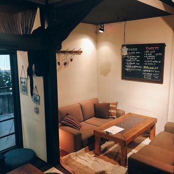 タテマチストリートから徒歩1分、兼六園や21世紀美術館から徒歩圏内にある「FULL OF BEANS(フルオブビーンズ)」は、築100年以上の町家を改装した古民家カフェです。2階の半個室でまったりディナーを楽しみませんか?