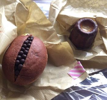 代々木八幡駅から徒歩1分。朝の7時からオープンしているパン屋さんがこちらの365日です。コンセプトは「ひとつひとつの積み重ねが365日を充実させる」というパン屋さんで、代表的なパンがクロッカンショコラです。きれいに並んだチョコが心を優しく溶かしてくれます。