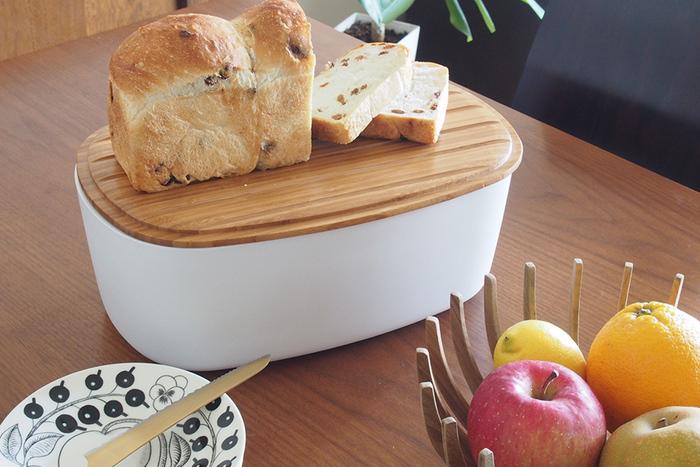ブレッドボックスがあれば、もっとパンのある生活が楽しくオシャレになりそう。ちょっと自慢したくなる朝ごはんを、ブレッドボックスが叶えてくれるかも。