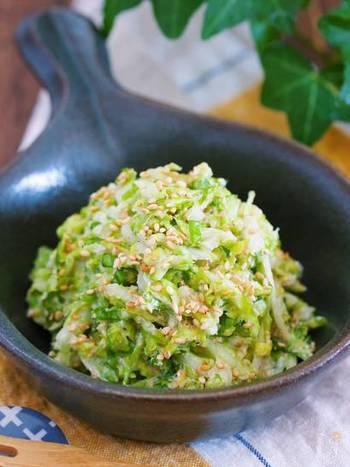 柔らかで甘みのある春キャベツを千切りにして塩で揉み、あとはタレで和えるだけでなので、とっても簡単!お野菜不足が気になっている方へオススメです。
