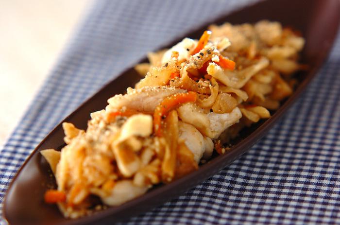 ■切り干し大根のガーリック炒め ヘルシーグラタンのお供にぴったりな「切り干し大根のガーリック炒め」はシャキシャキ食感でカルシウムも摂取できとっても美味しい!乾物は生のものより栄養価も高いのでダイエット中の強い味方です。色々アレンジしてレシピのバリエーションを増やしておくと便利ですよ。