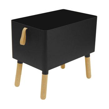 「Hippo storage box」の脚は、その名の通りカバのような短い脚です。収納ボックスなのにトコトコ走り出しそうな雰囲気でユニークですね。