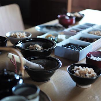 また、薬味やドレッシングやペーストなどを調理したら、そのまま食卓に出して器としても使えます。