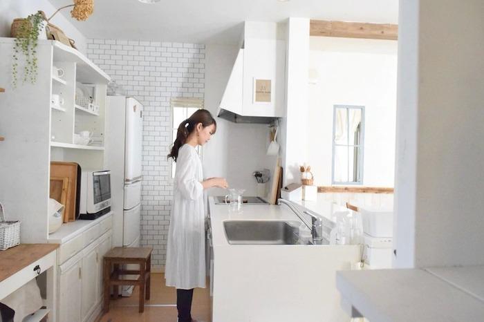 家事の負担を減らすには、まずは、自分が好きな家事、苦手な家事を知っておくことが大切です。  例えば、買い物は苦手。あるいは気晴らしできて好き。 洗濯は、干すのは好き、畳むのは苦手。また、休日にまとめて料理や掃除をするほうが楽に感じたり、逆にこまめに毎日するほうが気楽、という方もいますよね。