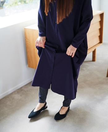 春先はまだ冷え込むときがあるので、レギンスは欠かせないアイテムではないでしょうか。医療用の靴下などの製造をしている奈良県の工場で作られた『はき心地満点レギンス』は、シルク糸を裏に使っているので肌ざわりがとてもなめらか。締め付けを抑えたゆるさも程よく、その名のとおり履き心地の良さに定評があります。