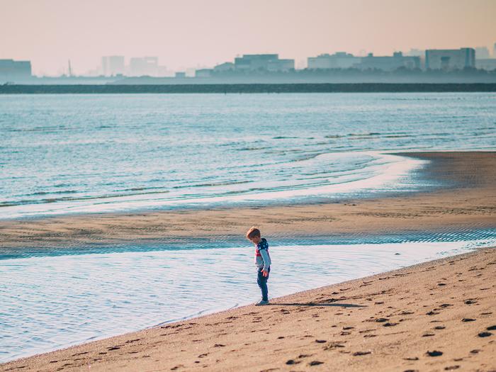 『海辺の子ども』 D600+ AF-S NIKKOR 85mm f/1.8G