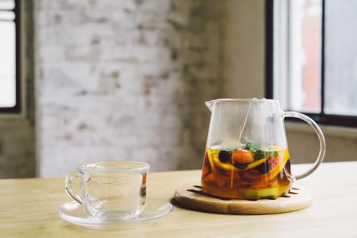 フランスでは、紅茶の楽しみ方の1つとして一般的なフルーツティー。自宅で淹れたとは思えないほど、贅沢に溢れる甘酸っぱい香りと風味を楽しめます。