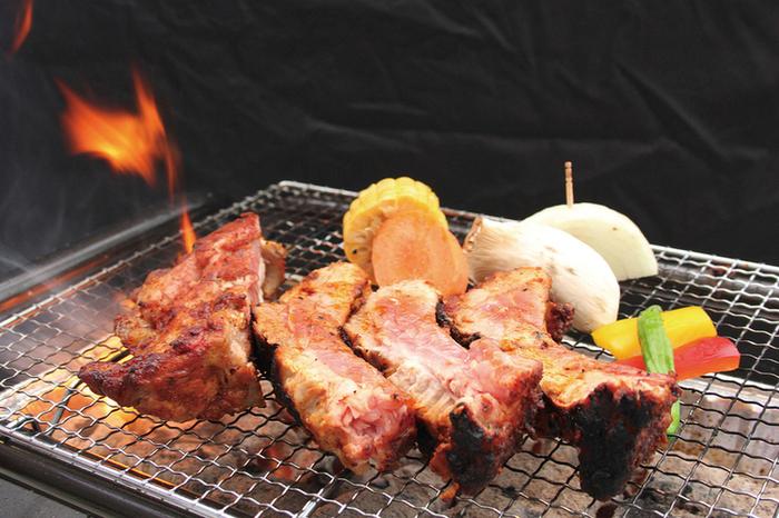 お肉とお野菜がセットになったコースのほか、アラカルトで追加もできます。飲み放題のプランもあるので、江ノ島の夜をおいしいバーベキューで盛り上がりましょう。