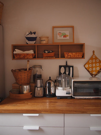 普段あまり料理をしないという方も、コーヒーや紅茶などなんらかの飲み物は、キッチンにあるのではないでしょうか。嗜好品という位置づけではありますが、お茶は暮らしに深く関わる物です。