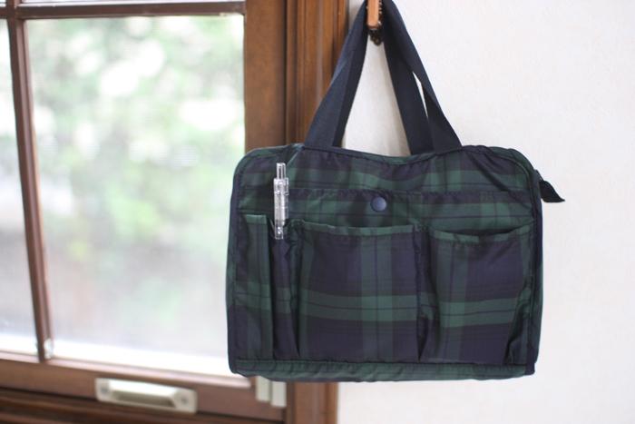 お出かけの必需品からビジネスツールまで、様々な物をすっきりと収納できる「バッグインバッグ」。 バッグの中がいつもぐちゃぐちゃ…とお悩みの方は、さっそく取り入れてみませんか?