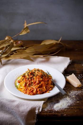 旬の食材を使った数量限定のパスタのランチセットもあります。こちらは冬季限定の白子とねぎのトマトクリームパスタです。