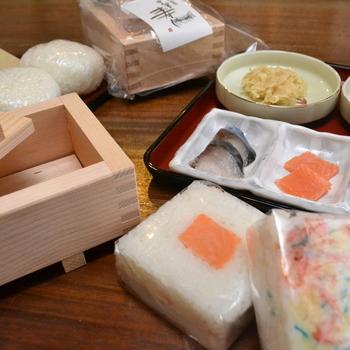 金沢で春・秋のお祭りに欠かせない押し寿司は、ハレの日を彩る家庭の味。その味を自分で作れば、旅の思い出にもなりますよ。