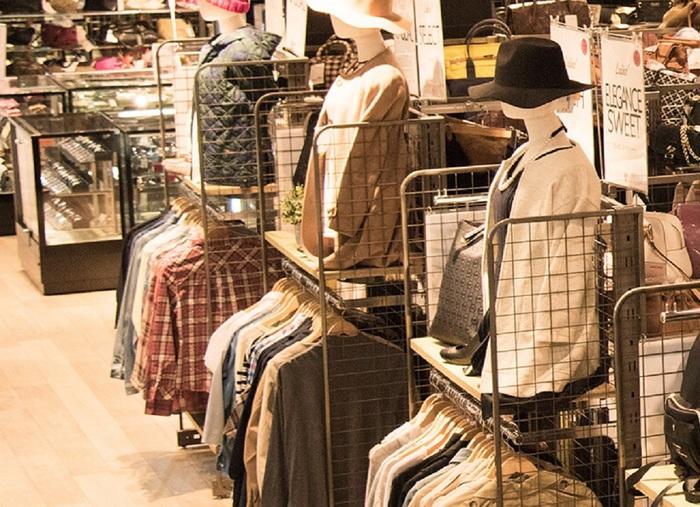 リユースショップ『セカンドストリート』は、全国に600店以上を展開する買取りサービス。年間380万件の買取り実績があるから安心して預けることができます。お店に持ち込んで、その場で現金化までできるのは、買取りサービスの一番のメリットともいえるのではないでしょうか。