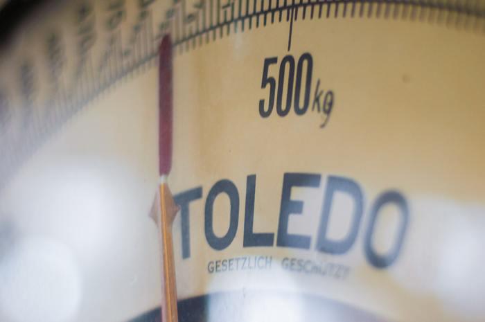 「腹八分目」の食事量にすると、摂取エネルギー量が減るので、体脂肪や血糖値、中性脂肪値等も減少します。身体に嬉しい効果が期待できる食習慣です。