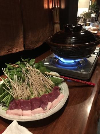 シンプルな食材でいただくセリ鍋は、東北の地酒ともぴったり。寒い季節限定とのことなので、事前に連絡してみるのがおすすめです。根っこが絶品なので、ぜひ堪能してみて。
