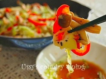 ル・クルーゼのスキレットは、こんな蒸し焼き料理やグリル料理にもおすすめです。また、肉料理などを焼いて、そのままパーティーのテーブルへ出せば豪華で見栄えも抜群。いろんな場面で活躍します。