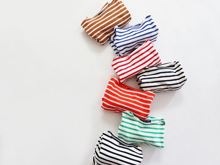 カジュアルで爽やかな雰囲気が魅力の「ボーダーTシャツ」は、春夏コーデに欠かせない定番アイテムのひとつ。 毎日ニットで過ごした冬が明け、春になったら「大好きなボーダーTシャツを着るのが楽しみ♪」という方も多いのではないでしょうか?