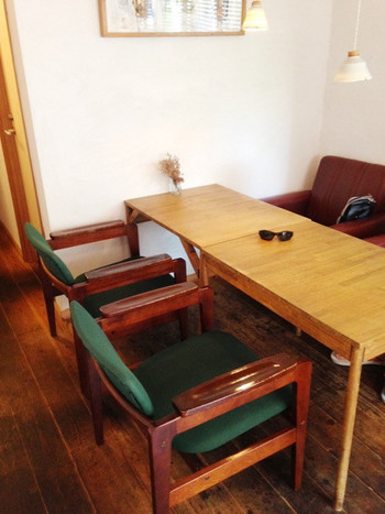 1階の奥には、かわいらしいイートインスペースも。購入したパンをすぐに食べたいという方は、ぜひこちらも利用してみてはいかがでしょうか?