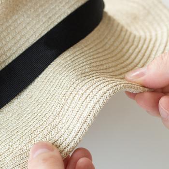 愛用の帽子を長く使っていくためには、お手入れがマスト。ワンシーズン使い終わった帽子を、しまい込む前にきれいにしておきたいですよね。そのためには帽子の素材に応じて、ふさわしいお手入れの仕方を知っておく必要があります。