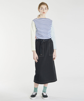 カラフルなクレイジーパターンがおしゃれなボーダーTシャツも、デイリースタイルに春夏らしさをプラスしてくれる人気アイテムです。コーディネートをパッと明るく、華やかな雰囲気に仕上げてくれます。
