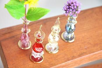香水ボトルとしてはもちろん、インテリアとして、ちょっとした一輪挿しにも◎使い方はあなたのアイディア次第!