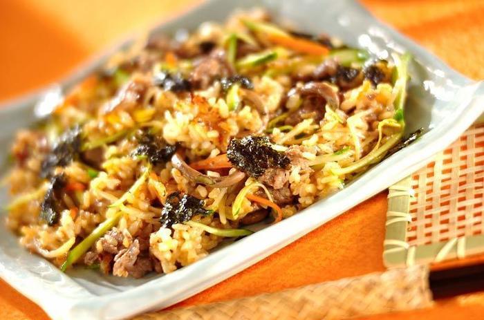 野菜たっぷりで栄養バランスもばっちりのチャーハン。具材を切ったらさっと炒めるだけで作れる手軽さも嬉しいレシピです。