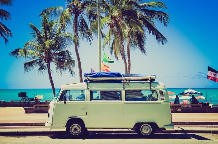 短期的な観点からは、海外旅行や国内旅行など、具体的に行きたいポイントが決まっている旅行など細かく書いてみてもいいですね。そのために、必要なお金を試算しやすくなります。