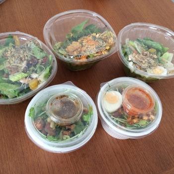 季節限定のシーズナルサラダも人気。旬のお野菜のおいしさが楽しめる組み合わせもぜひ試してみてはいかがでしょうか。