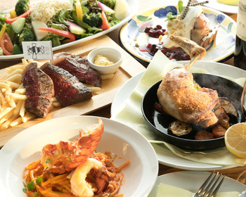 「天使の海老とトレビスのフレッシュトマト生パスタ」「オープンサンドプレート」などやランチメニューが豊富。その日仕入れた食材によってメニューが変わります。