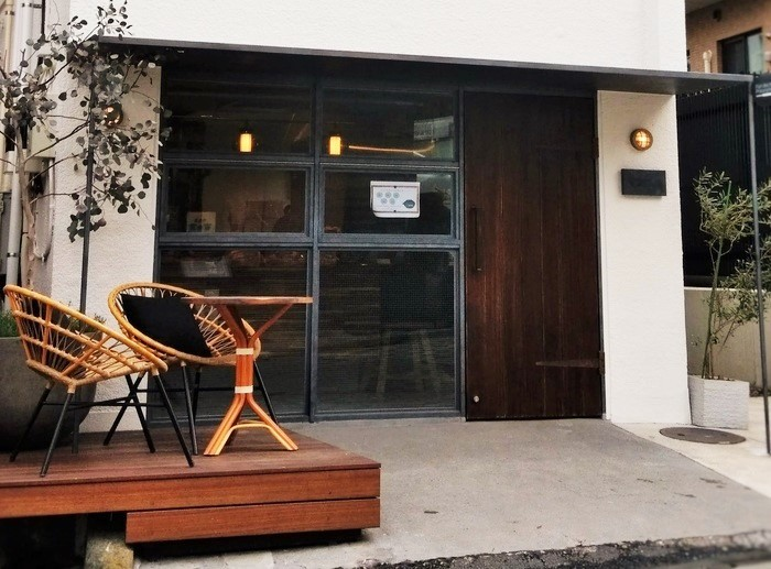 2015年に惜しまれつつ閉店したフランスパンの人気店「ドミニク・サブロン」。同店の統括シェフとして活躍した榎本哲氏率いるお店として、2017年9月、東五軒町の坂道にオープンしました。(筆者撮影)