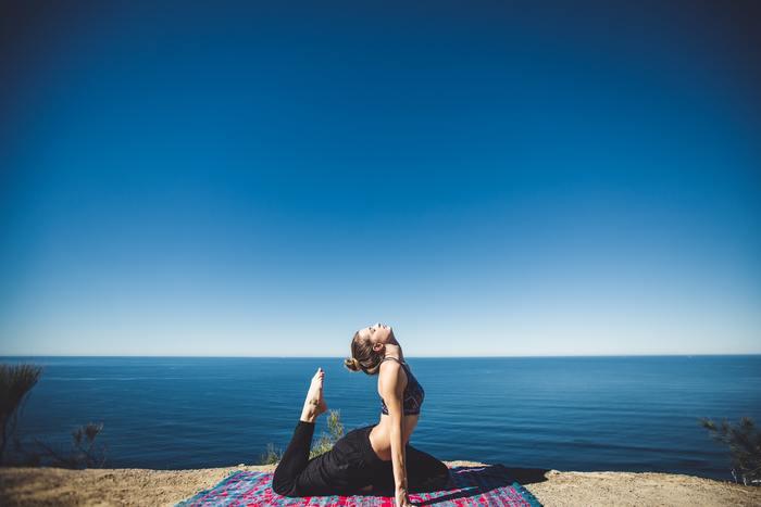 朝からヨガでストレッチして体を整えると、1日をより快適に過ごすことができます。体のラインを美しくキープすることができるのも嬉しいポイント。早朝の光の中、波の音を聞きながら優雅に集中力を高めてみませんか?
